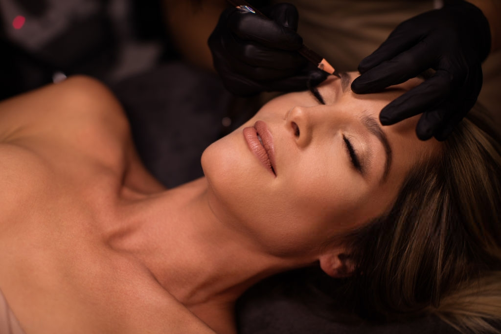 Feathering eyebrows in Toronto